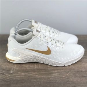NEW Nike Metcon 4 Champagne